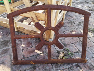 Barn Old Cast Iron Windows Dalam Gaya Antik Tetap Antik H53.5xW72CM